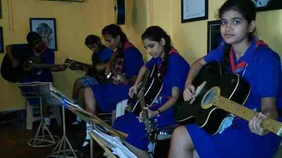 Guitar Training Classes In Mumbai - by INSTITUTE OF MUSIC DISCIPLINE, Mumbai