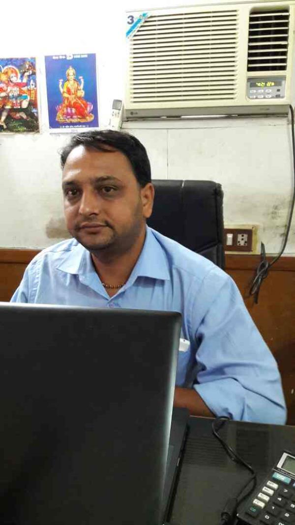 Meet mr Prakash Patel owner of the Riddhi Trading Company - by RIDDHI TRADING COMPANY, Ahmedabad