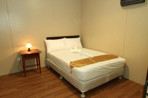 hotel mandakini, near station, airport, kanpur, lucknow, delhi, agra, hyderabad  - by Hotel Mangalam, Lucknow
