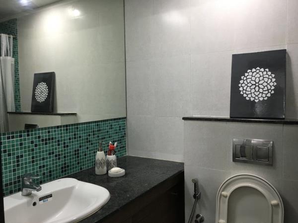 bathroom - by Design Loop, Chennai