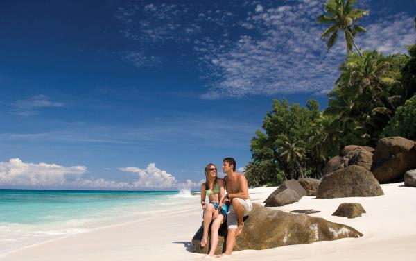 Mauritius Honeymoon Special 06Nights / 07Days @Rs. 55, 500 For more details http://www.arvholidays.in/mauritius-honeymoon-special-value-for-money.html - by ARV HOLIDAYS PVT LTD, New Delhi