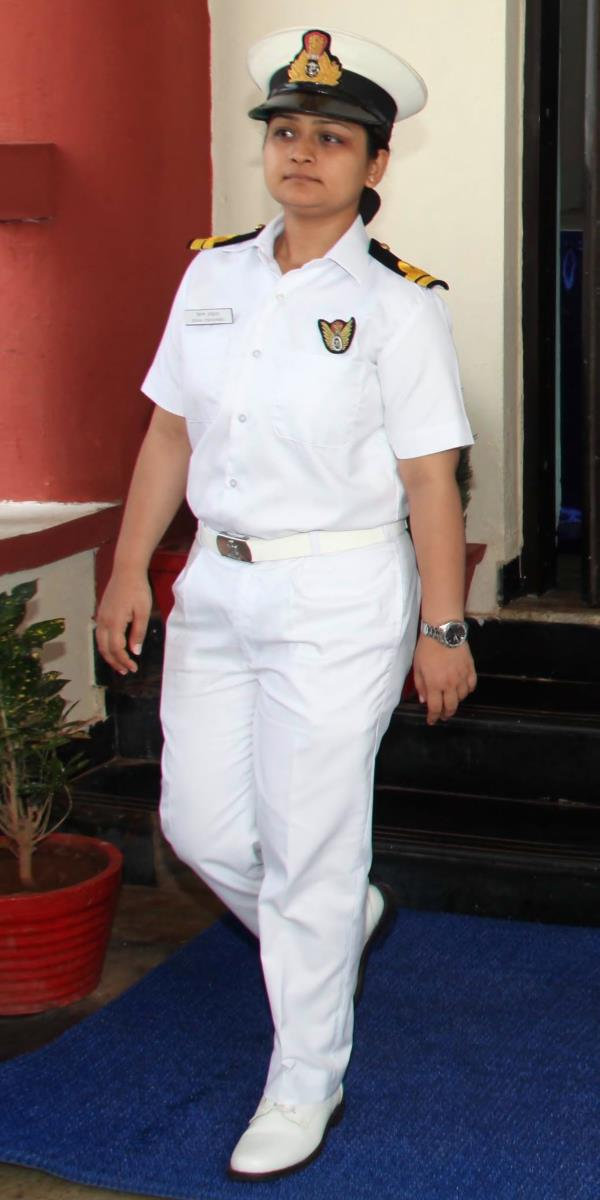 My life  Introduction 1.	I, Lieutenant Kiran Shekhawat (06778-B) hail from Jaipur, Rajasthan. I am 11th Naval Orientation Course and passed out on 04 Dec 2010. I then joined 05 SSC observer course in Observer School, INS Garuda in Jan 2011  - by Lieutenant Kiran Shekhawat Foundation, North West Delhi