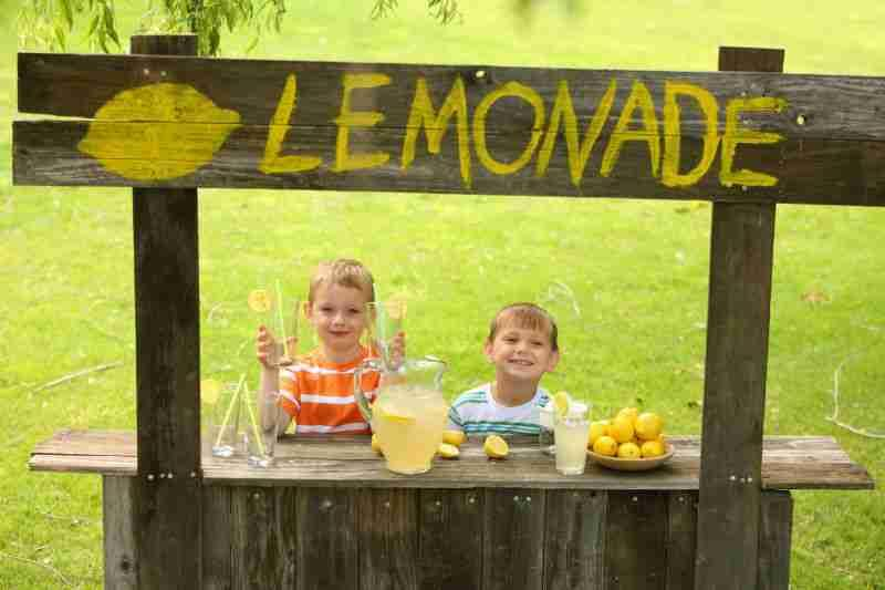 How Lemonade Help in Weight Loss. - by ApidaeCare, NEW DELHI
