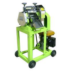 Sugarcane Juicers   Food Grade Stainless Steel usedUntouched by HandExtraction in front of the CustomersFully AutomaticVery Low Sound during Running:No Queuing up for JuiceFully Covered yet Transparent Juicing ChamberNo High Power BillsVery - by Navin Engineering Works, Coimbatore