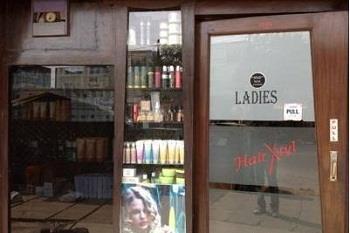 ladies salon in nehru nagar. - by LOVELY HAIR XTYL, Ghaziabad
