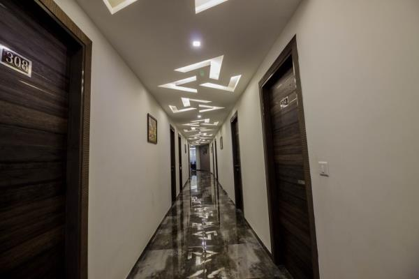 Welcome to Hotel Unity, Ahmedabad its a budget hotel near s.g highway.gujarat high court. offers you best deal with complimentary break fast. hurry on.....rooms are limited - by Hotel Unity, Ahmedabad