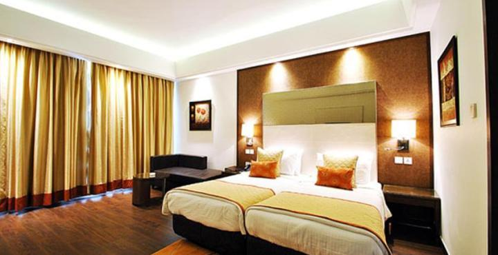 hotel mandakini, kanpur, lucknow, delhi, agra, jaipur, hyderabad, near station, near bus stand, near airport contact number 9235605005, conference, mice, banquet hall, near road, bar in kanpur - by Kukreja Group Hotel, Kanpur