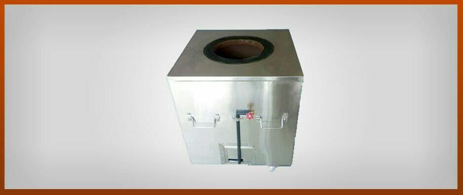 Gas Tandoors are available in Both M.S and S.S body. As per the advance technology and developed features Clay Arts is manufacturing Special kind of Gas Tandoors. This contains Burner with one special pipe with product. We used to prefer or - by Jayantibhai Tandoorwala, Vadodara
