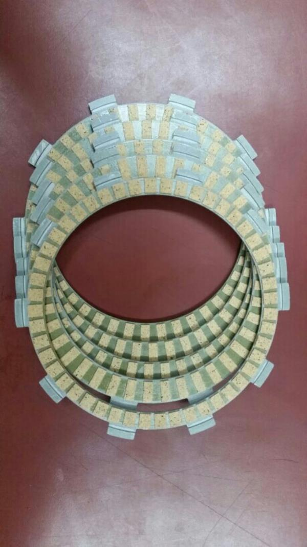 Clutch plate manufacture of tvs king paper friction plate.  best quality in the industries - by Arfat Auto, 2/29&2/30 A, New Rohtak Road, Industrial Area, New Delhi-110005