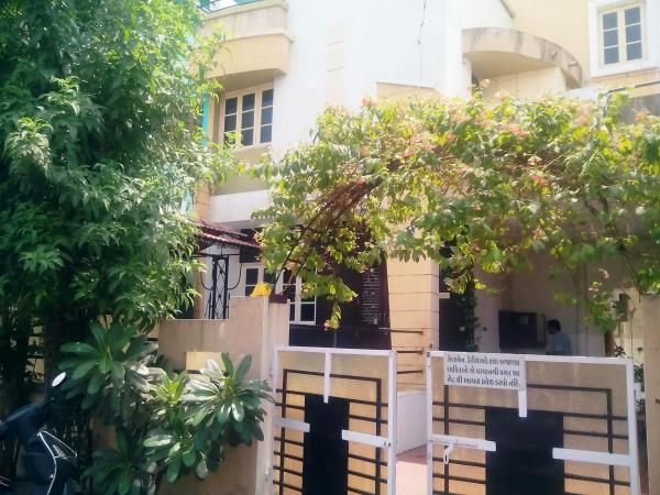 3Bhk Duplex for Rent at Manjalpur. Suitable for Guest House - by Bhoomi Estate Agency, Vadodara