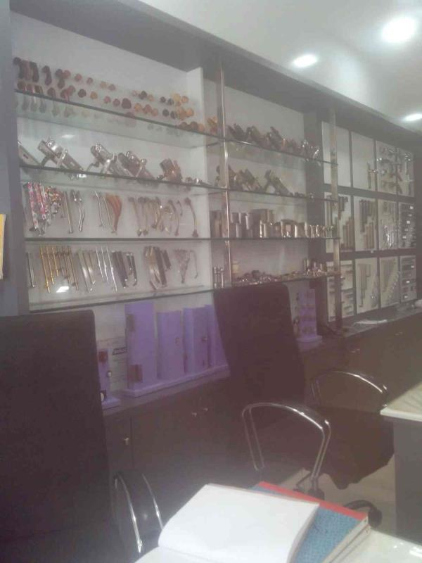 We have lots of discounts on handles - by Vinas Hardware, Ahmedabad