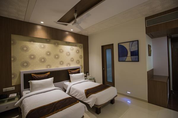 ELEGANCE ROOM | Rs. 3500 hotel in dwarka Manek the Ocean View dwarka gujrat.  Designed to excite, the room is elegantly decorated to give you a feel of luxury and elegance Enjoy the subtlety of its design.   - by hotel in dwarka, Jamnagar