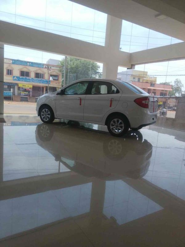 figo aspire - by Bharath Ford, Bidar