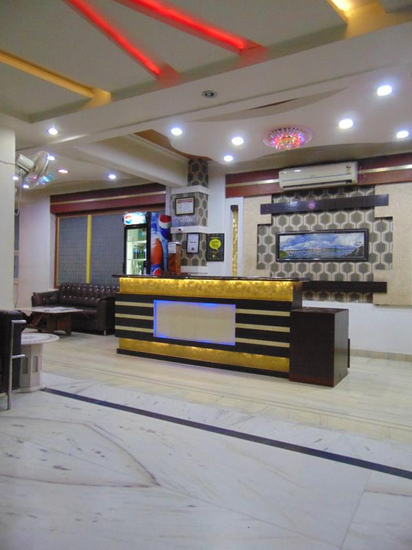 Stay At Hotel Alpine with room starting as low Rs.799 and also enjoy discounts on food and beverages - by Hotel Alpine, Agra