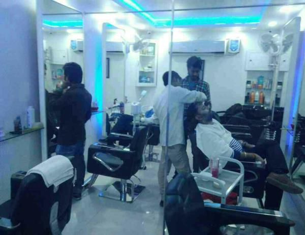 salon in Vadodara. i trim is one of the best salon in raopoura that provide all kind of hair & skin treatment. i trim is best salon in Vadodara - by Best My Saloon, Vadodara