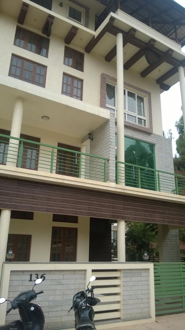 A beautifully designed architectural  house for sale in Byarathi..This area located by good and calm area....... price Rs 30000000................ - by Watershed properties, Bangalore