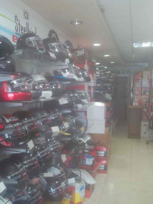 We are a leading supplier in all kinds of helmet acessories. - by Helmet Riders Shop, Ahmedabad