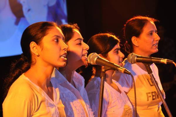 singing class in palam vihar  for more info http://www.4gglobalperformers.com/ - by Music and Dance Institute In Gurgaon | 8750235999, Gurgaon
