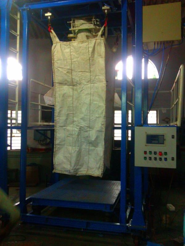 Our precision engineered range of Industrial Jumbo Bagging Machine is designed by us using the finest quality metal components. Our entire factor input is sourced from the reliable vendors having the attributes of durability and stability.  - by Vineraj Enterprise, Vadodara