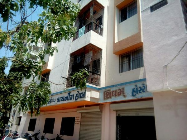 Shivam Hostel is Located at Kalawad Road , Opposite Atmiya Collage Near New Parimal School. We gives all types of Facility like Food , laundry , WI FI , Reading Room , Hot and Cold Water , Tv Room Etc...... Best Boys Hostel in Rajkot With A - by Shivam Hostel, Rajkot