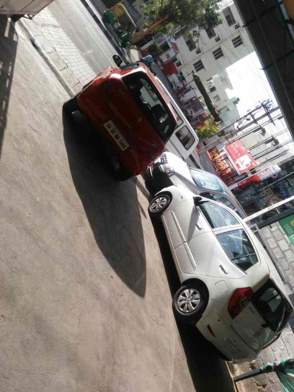 second hand car showroom in girinagar bangalore - by u-trust cars, bangalore