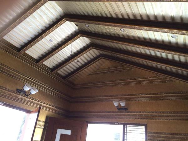 Elegant ceiling with a rafters and designer 6 inch wall panels  - by MARIA DECOR, Greater Mumbai