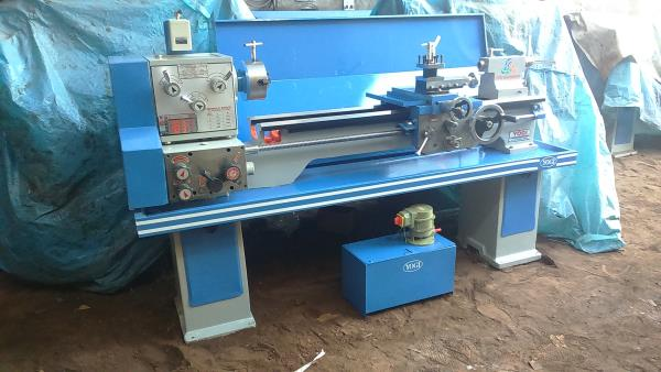 SS and SC Centre Lathe Machine Lathe Machine for ITI and Engineering Colleges 6 Feet All Gear Light Duty Lathe Machine - by Yogi Machine Tools, Rajkot
