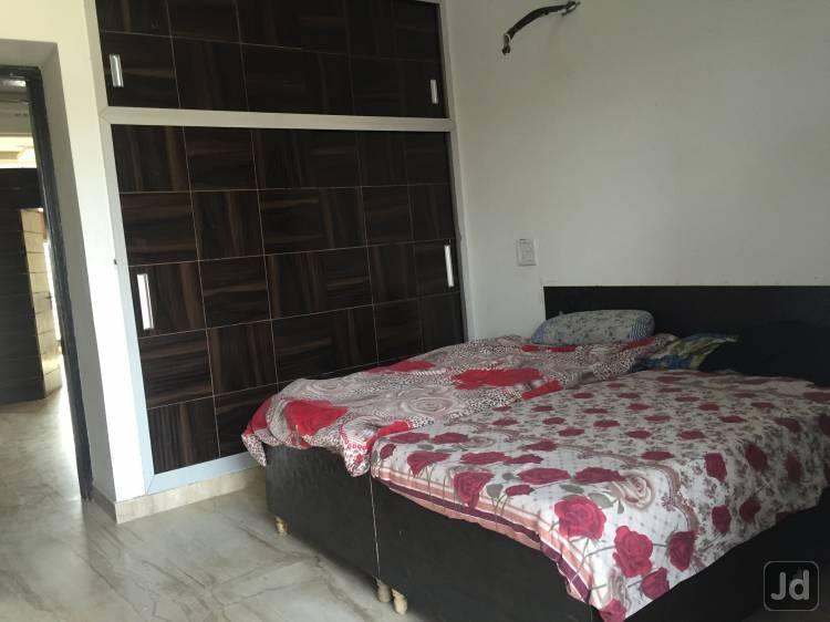 Girls Pg Near Cyber Park Gurgaon Sector 4o Girls Pg Near Huda city centre Metro Station Gurgaon sector 45 Girls Pg Near Genpact Gurgaon sector 31 Girls Pg Near IBM Gurgaon Sector 31  Amay Residency is Providing the Best Pg Accomotation Prov - by Amay Residency, Gurgaon