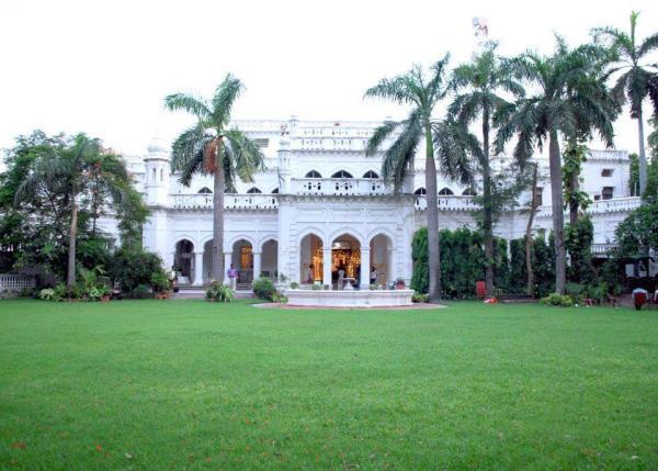 Jahangirabad palace  - by Jahangirabad, Lucknow