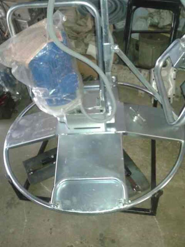 we are manufacrure of power trowel machine and all type of consruction machine in ahmedabad - by Krishna Ahd, Ahmedabad