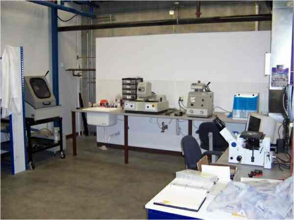Metallurgical lab in Vadodara, Gujarat.  Metallurgical lab in Ahmedabad, Gujarat.  Metallurgical lab in Surat, Gujarat.  Metallurgical lab in Rajkot, Gujarat. - by Fenia Lab, Vadodara