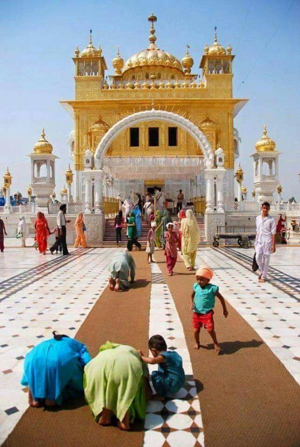 tour in swarn mandir - by Day Night Tour Travels, Bhopal