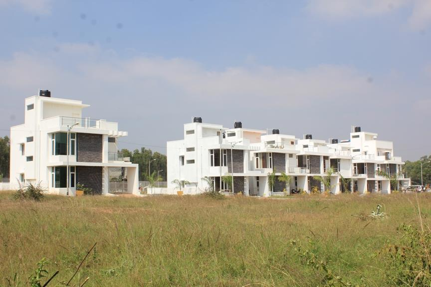 Villa plots starting from 19.20L onwards, Villas starting from 55L onwards. Near E-city with luxury amenities. BMRDA approved, with A Khatha. - by JR Housing Developers Pvt. Ltd., Bangalore