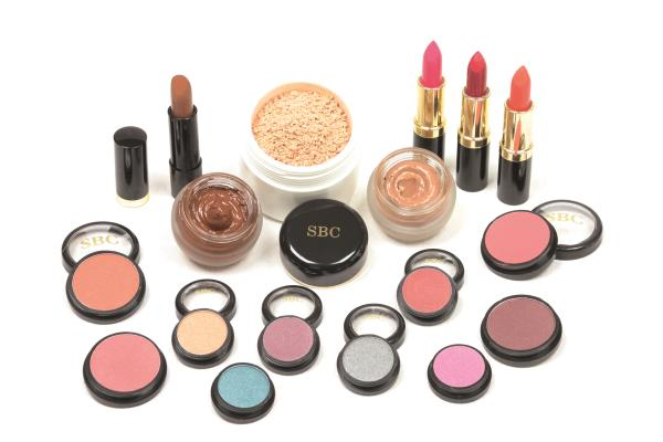 Airbrush Makeup Artist In Delhi Airbrush Makeup Artist In Rajouri Garden Call +91 7042269536 To know More - by Airbrush Makeup Artist, Delhi
