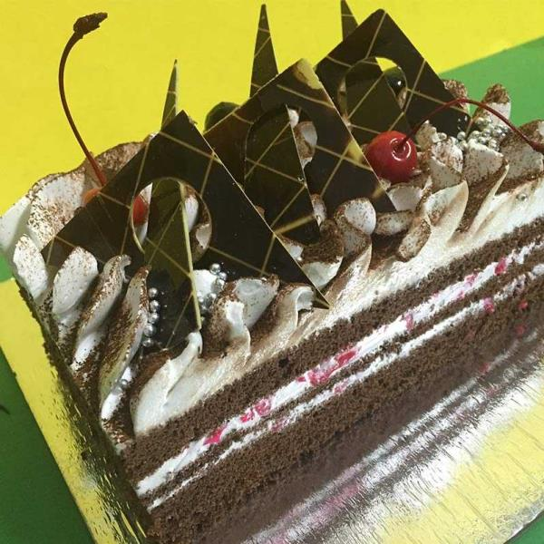 Corporate Chocolates cake online in Moti Bagh Delhi. Online Birthday Cake Moti Bagh Delhi. We also customise moulds appropriate for various industries and interests. there are endless possibilities. We put all the efforts required for your  - by Chocolate Temptation +91-9871119902, New Delhi