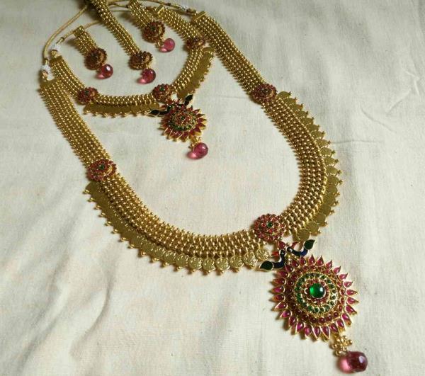 Indian Traditional Jewellery supply in mumbai - by Disha Fashion Jewellery, Mumbai