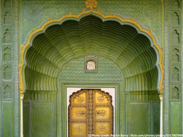 Delhi To Jaipur One Day Sightseeing Tour Packages By Taxi  Jaipur City Palace's Pitam Niwas' another gate is called Leheria (waves) Gate & is dedicated to Lord Ganesha & is in green color indicative of Spring. Sightsee the grandeur of Jaipu - by taxiGUIDE.in Delhi, New Delhi