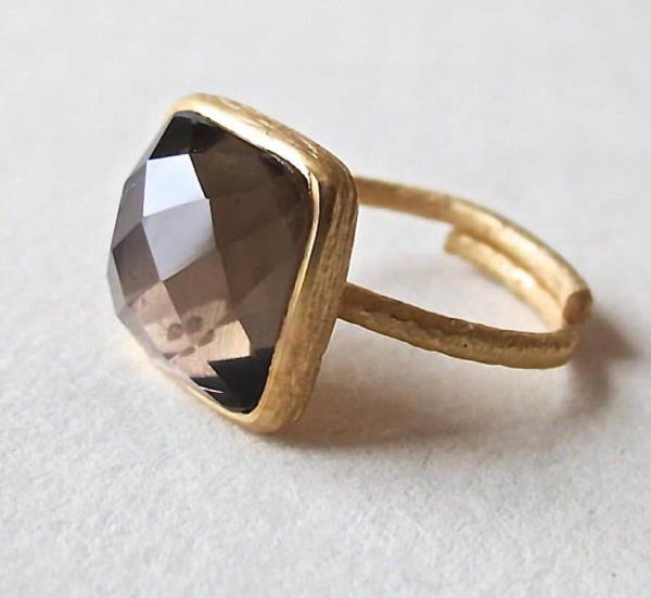 Royal smokey topaz ring   - by Silverjewellery, Jaipur