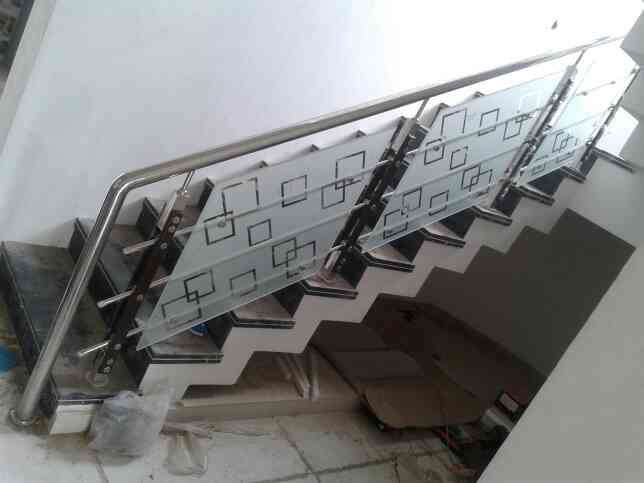 we are manufacturers of s s railing in rajkot - by Soham Steel Point, Rajkot