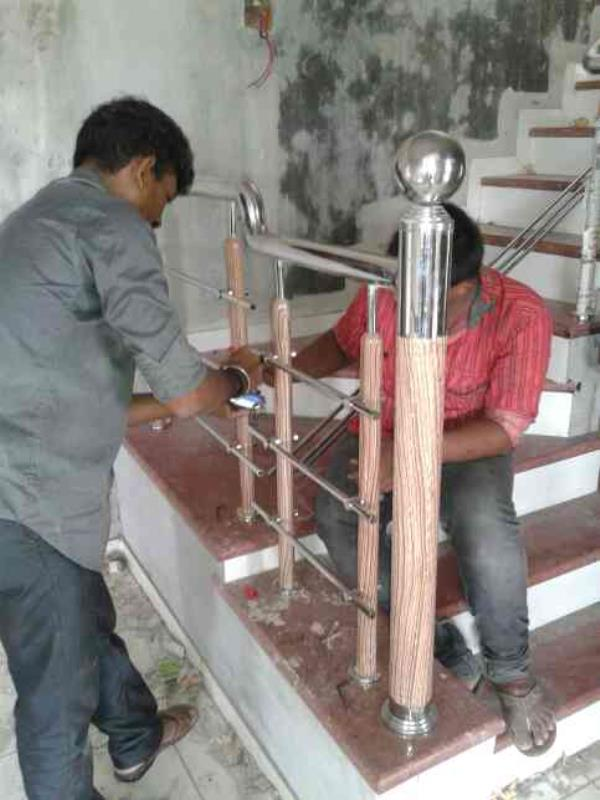 we are manufaturers of s s modular railing in gujarat - by Soham Steel Point, Rajkot