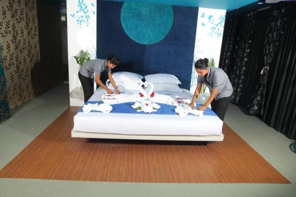 Top Hotel Management College In Chennai  Chennais Amirta has 7 star hotel infrastructures within the campus to train the students for the house keeping industry. Thus we make things perfect in our house keeping classes. To keep things tidy  - by Chennais Amirta - Best Hotel Management Institute, chennai