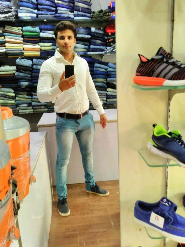 30% off on jeans - by Bollywood Fashion, New Delhi