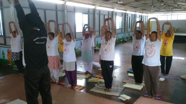 Group yoga classes gives you a boost Coz of the competition among the participants. It acts as a positive reinforcement and people tend to achieve their goals effectively. But make sure that the yoga instructor is well aware of the individu - by YOGA CLASSES AT HOME, Delhi