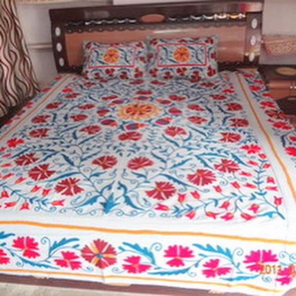 Suzani bedspread - by Trade Star Exports, Jaipur