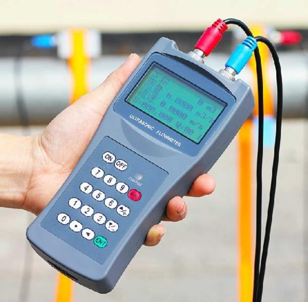 Portable Ultrasonic Flow Meter  We are importers & suppliers of ultrasonic flow meter. Key features & specifications of the instrument are as follows:  Compatible with all pipe materials including metal, plastic and fiberglass Works with mo - by Precision Scientific Instrument, New Delhi