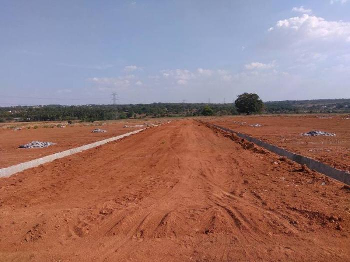 Few sites for sale in Luxury BSNL society layout Dimensions: 30*40, 30* 50 and 40*60 Cost : 749 Per sq ft, Down payment 400 Rs per sq ft during application and rest during Registration Site Allotment on availability and strictly on seniorit - by Mastambika  Sai Developers, Bangalore