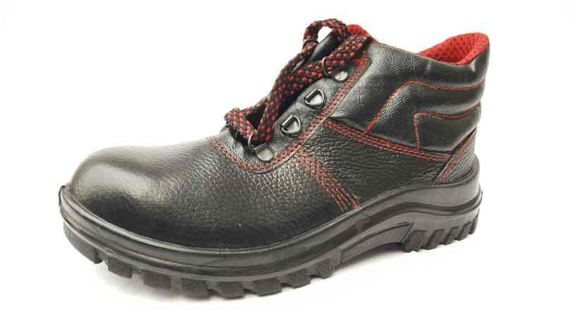 safari pro safety shoes  - by SAFETY SHOES MANUFACTURERS      Call us @ 9990848984, Gautam Buddh Nagar