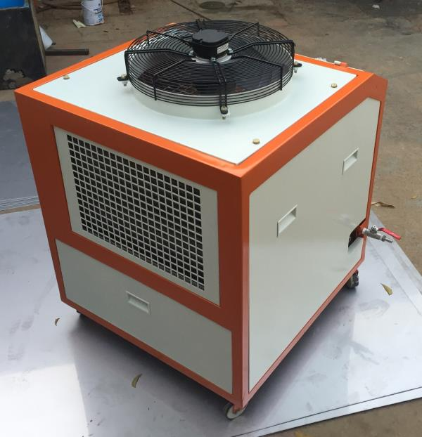 VANGUARD COOL TECH ENGNINEERS  On line water chillers Based at Hyderabad Energy Efficient. Economical Effective Service Back up  - by Vanguard Cool Tech Engineers, Hyderabad