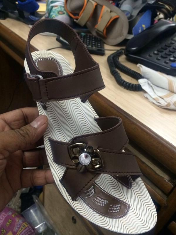 Ladies pu sandles available in yashwante shoes, jalna - by Yashwante Shoe Palace & Sports, Jalna