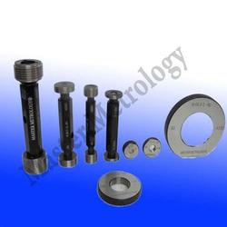 Thread Plug Gauges Our range of Thread Plug Gauge are appreciated for following features : Reliable Precise & Accurate Fast Service Economical Other Details : Master Metrology manufactures Thread Plug and Thread Ring Gauges as per details m - by MASTER METROLOGY, Pune